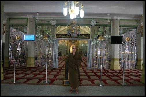 Natus inside the mosque of Singapore