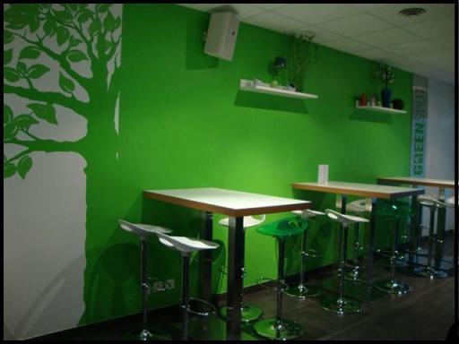 GreenSpot table