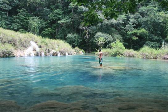 Semuc Champey crazy blue water