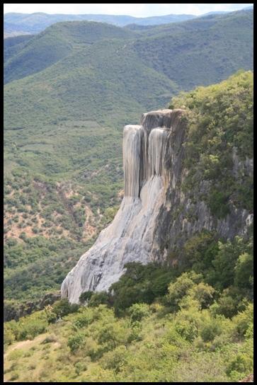 Hierve el agua cascade petrifiees