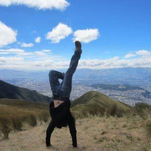 Handstand Ecuador