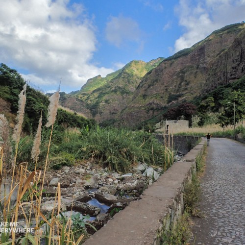 Road Valley of Paul Santo Antao