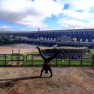 Biggest dam in the world handstand