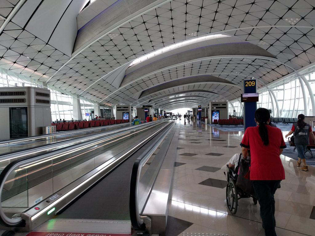 香港国際空港車いす