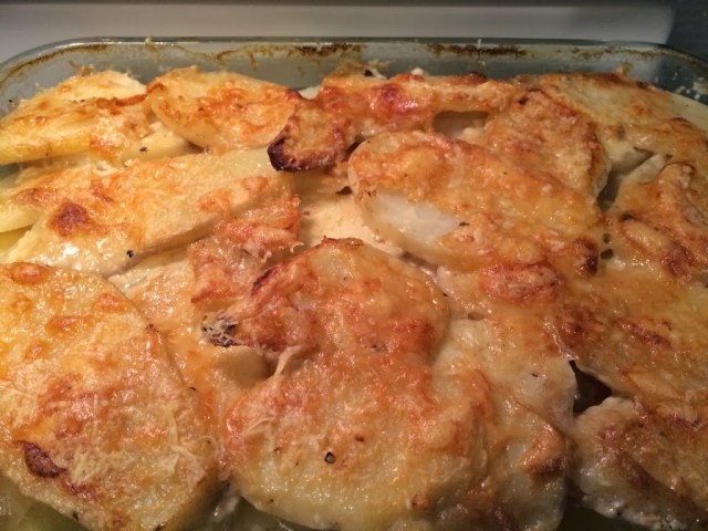 Cheesy Scalloped Potatoes for #SundaySupper