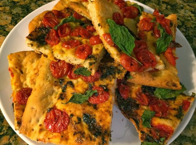 Roasted Tomato Basil Flatbread for #SundaySupper