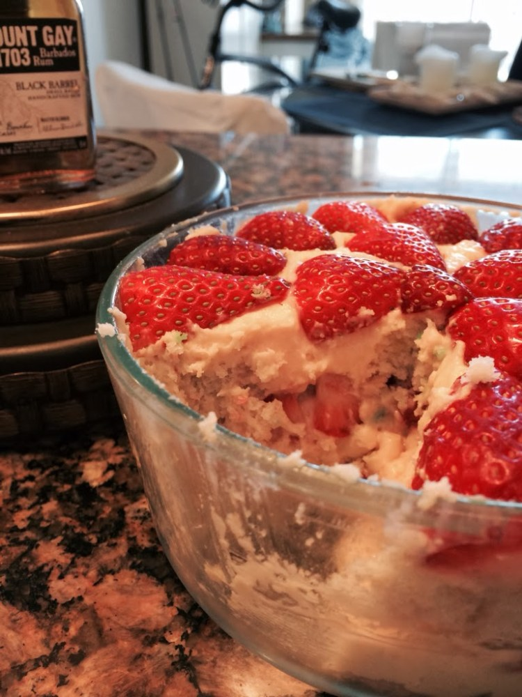 Funfetti Strawberry Cheesecake Trifle for #SundaySupper