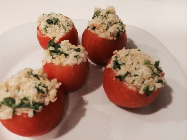 Creamy Goat Cheese Quinoa Stuffed Tomatoes for #SundaySupper