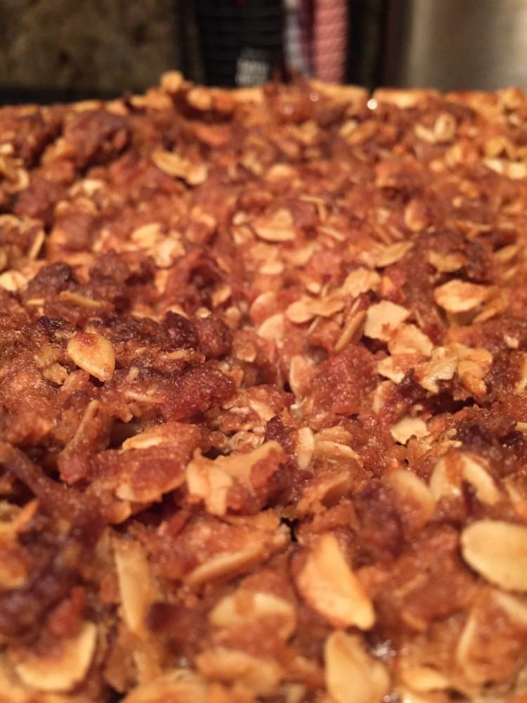 apple cinnamon and coconut crumb pie