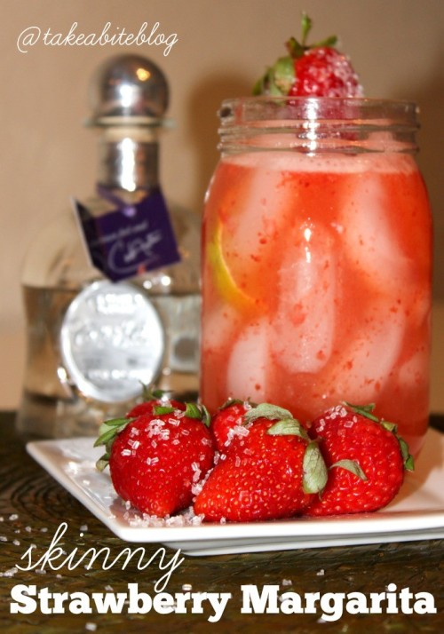 Skinny Strawberry Margarita for #NationalMargaritaDay
