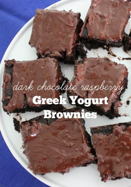 Dark Chocolate Raspberry Greek Yogurt Brownies #stonyfieldblogger