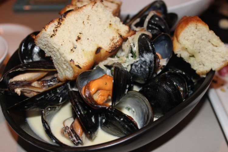 Wild Sea Oyster Bar & Grille, Fort Lauderdale