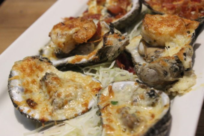 Eat, Drink and Be Local at Papa's Raw Bar in Lighthouse Point