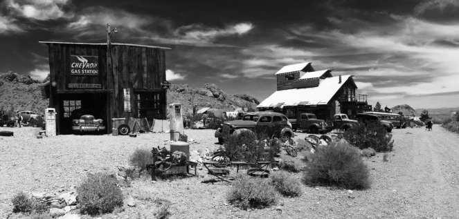Dusty roadside station (2)