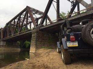 jeep-bridge