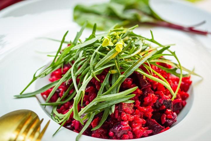 Rot, so wie der Herbst: veganes Rohnen-Risotto