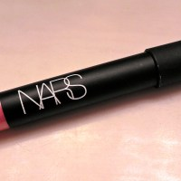 NARS: Velvet Matte Lip Pencil in Roman Holiday Review & Swatches