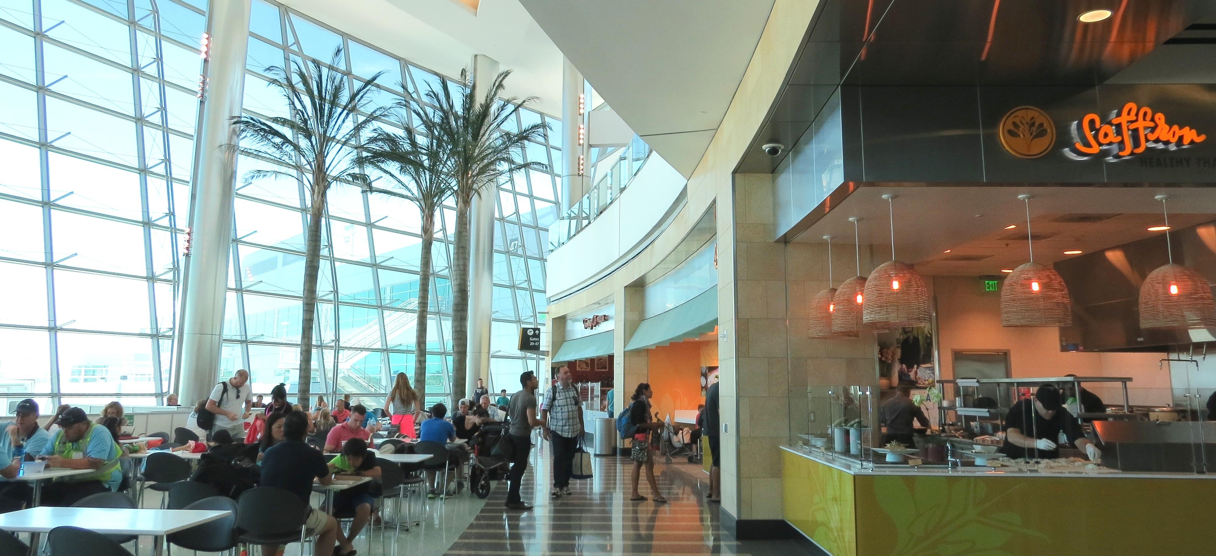 サンディエゴ空港でビールを