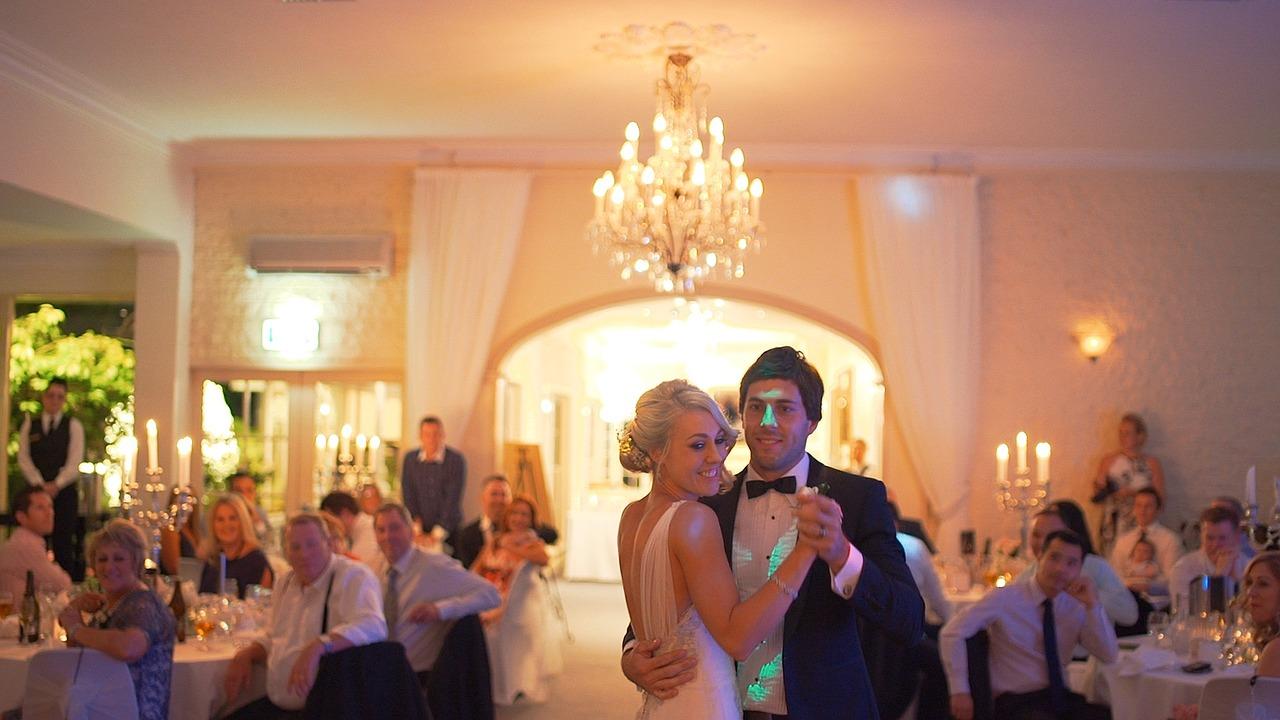 アメリカで結婚式、どうする?ダンスタイム