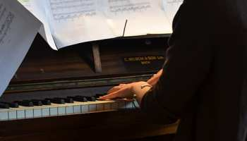Kawai vs  Yamaha: Who Makes Better Pianos? – TakeLessons Blog