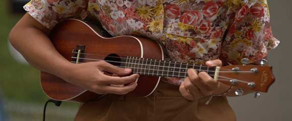 4 Basic Ukulele Chords & 10 Easy Songs to Play for Beginners