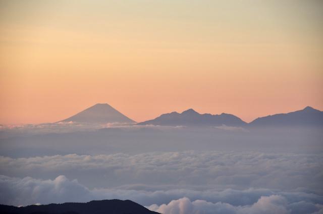 槍ヶ岳 頂上 富士山 鋸岳