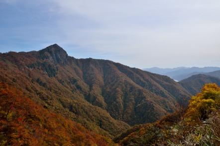 冠山 徳山湖