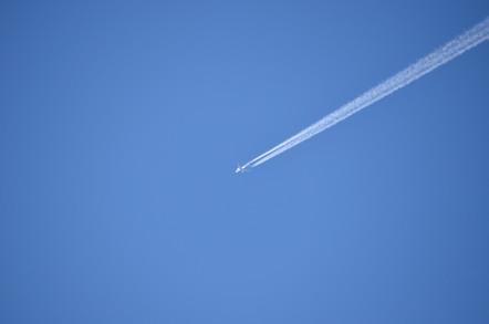 冠山 山頂 飛行機雲