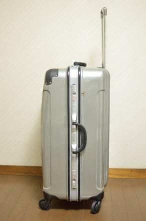 スーツケース 横面