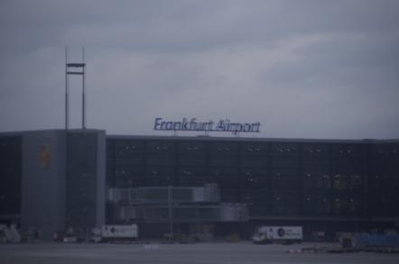 LH737便 フランクフルト空港