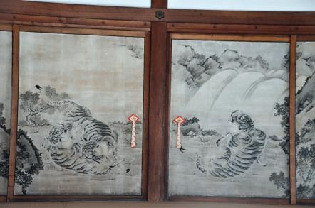 虎図 岸岱