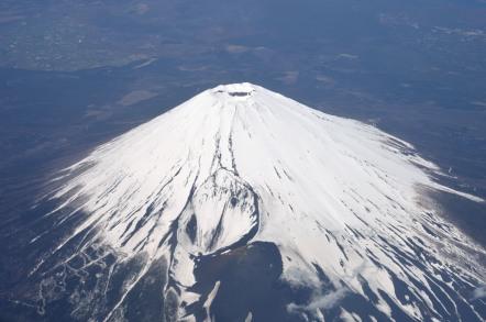 NH913便 富士山