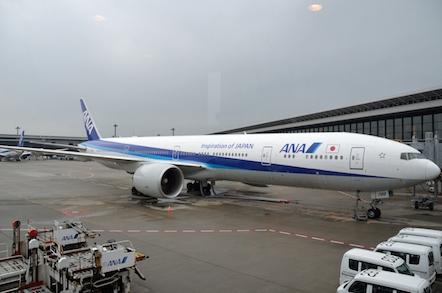 成田空港 B777-300