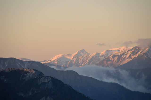 燕山荘 白馬岳、朝日岳方面