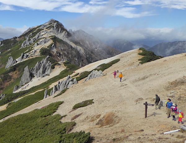 燕岳 山頂方面