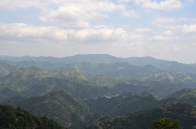 鳳来寺山 鷹打場からの眺め 浅間山〜弓張山〜城山