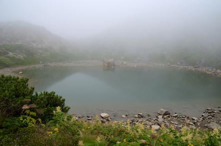 白山 お池巡り 血の池