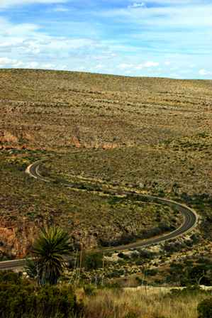 Walnut Canyon, road to Carlsbad Caverns