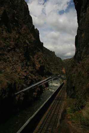 hanging bridge, railroad, royal gorge park