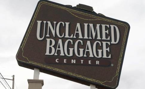 1200_09c_unclaimedbaggage
