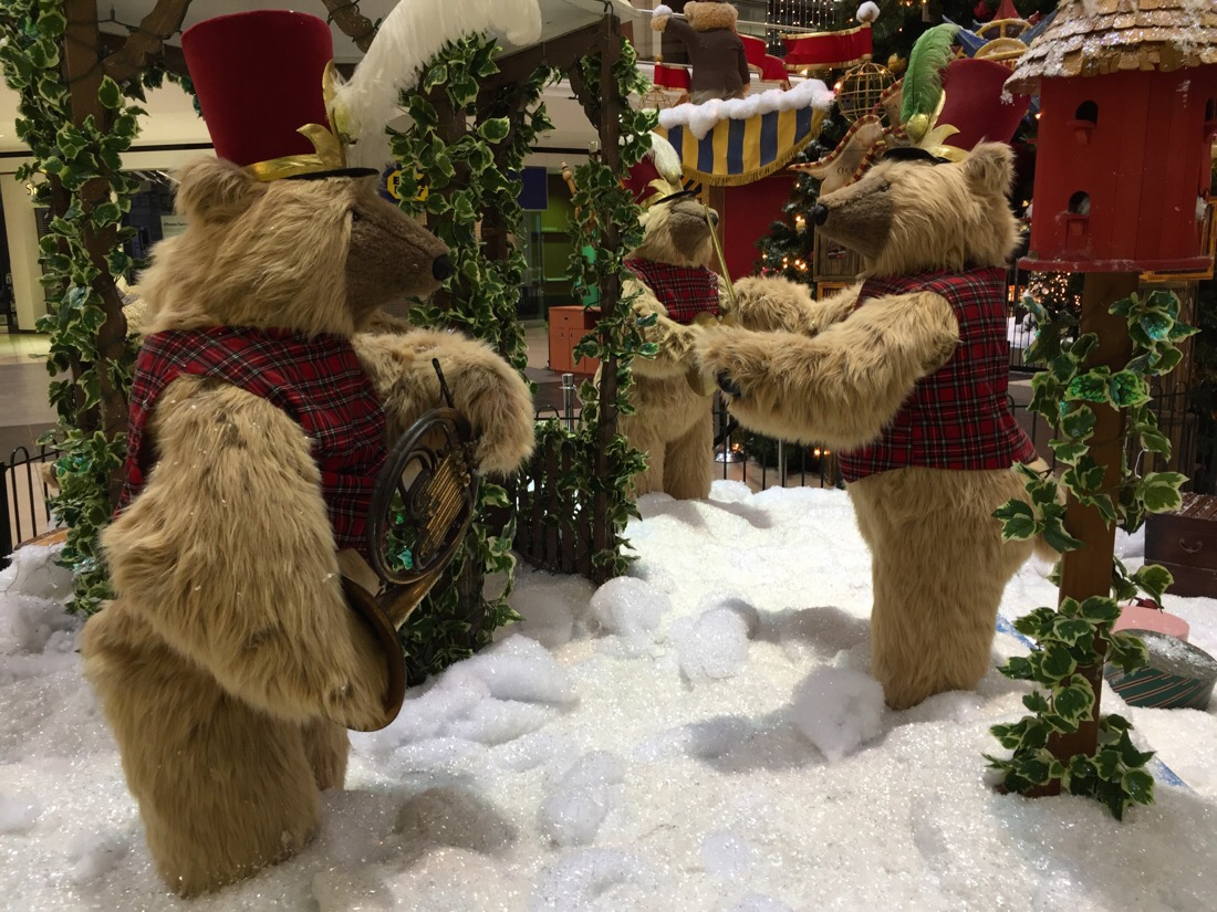 santa's workshop at lakeforest mall in maryland