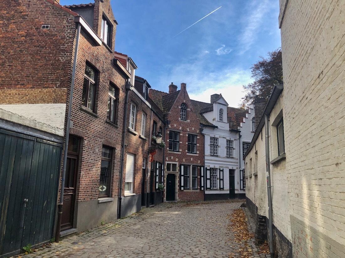 An afternoon walk around the streets of Bruges, Belgium