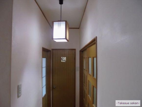 戸建て住宅 廊下壁のエコ・クィーン塗り替え