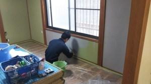 ビフォーの壁に下プラ塗り