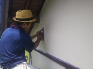 漆喰の押さえ込み