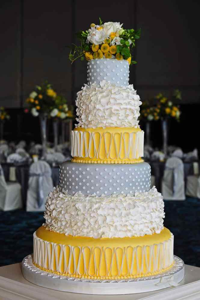 Royal Blue Wedding Cake On Cakes With Designs 10