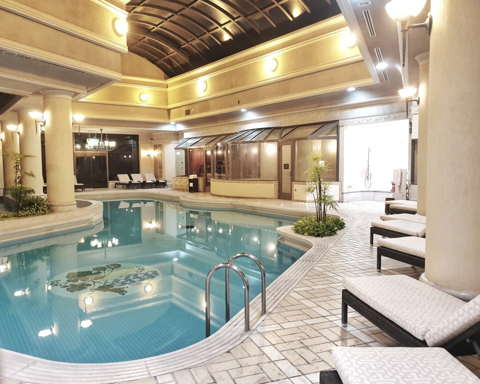 Hotel Chinzanso pool, Tokyo, Japan