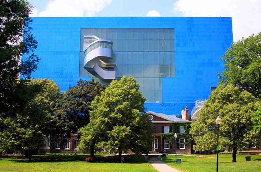 أماكن السياحة في تورنتو معرض (AGO) للفنون في أونتاريو