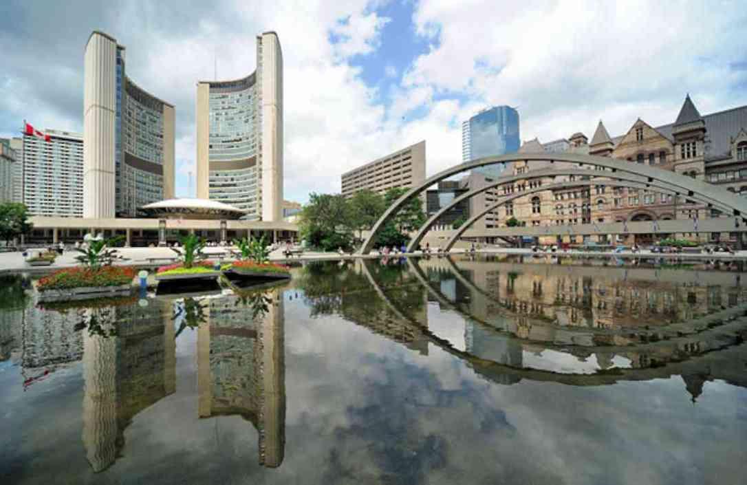 أماكن السياحة في تورنتو قاعة المدينة