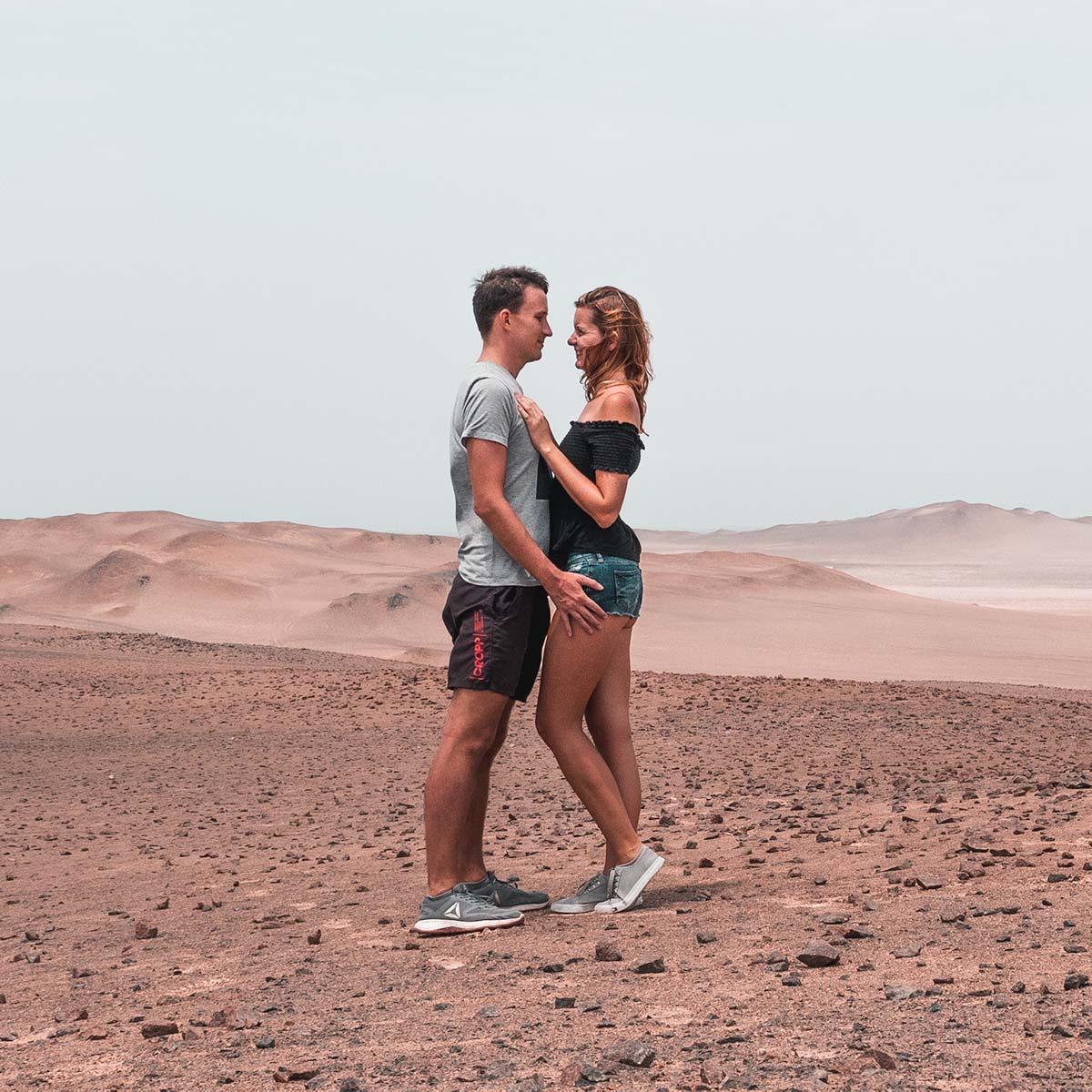 Ania i Grzesiek (Takeyourway) w Paracas, Peru